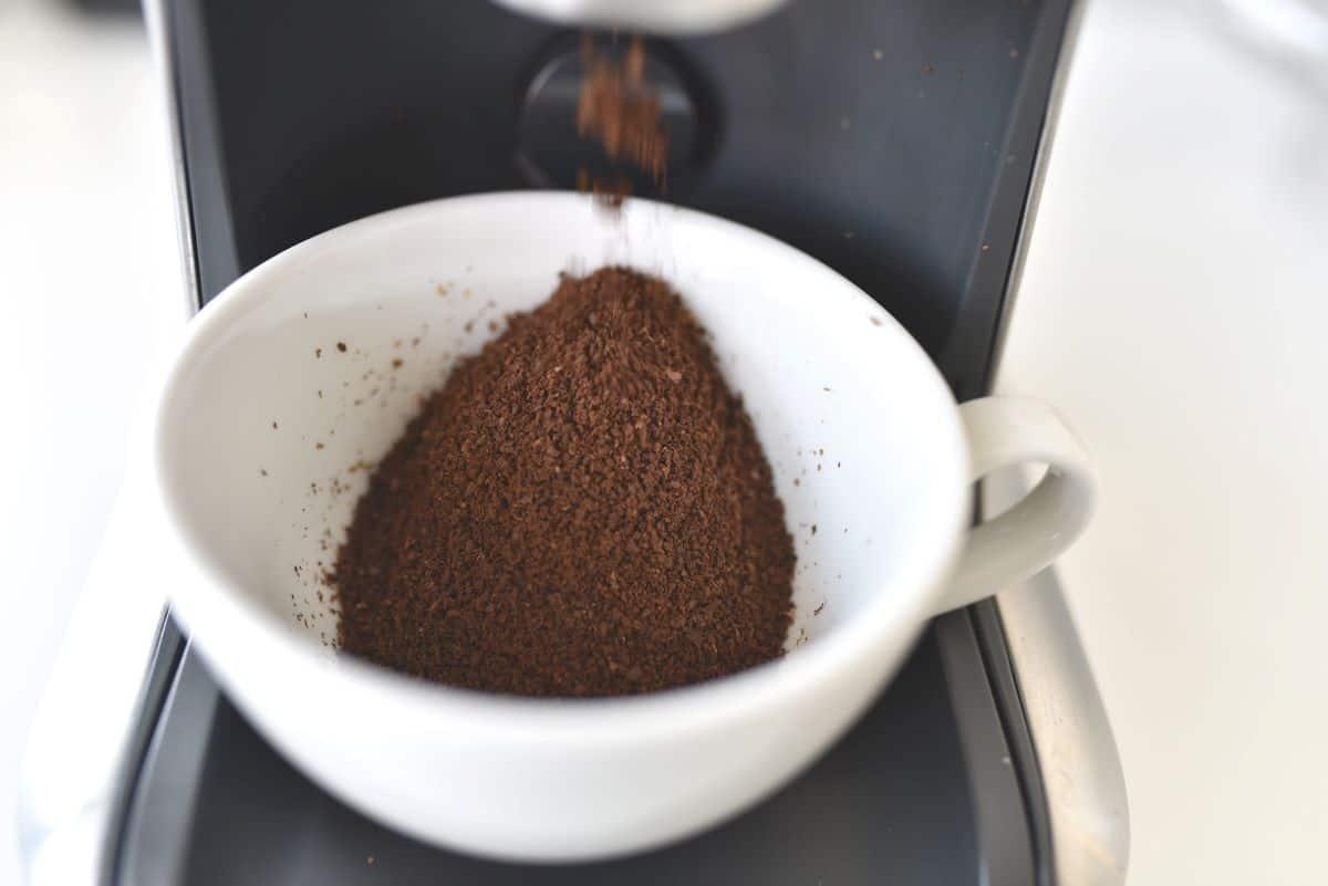 coffee ground method for growing mushrooms