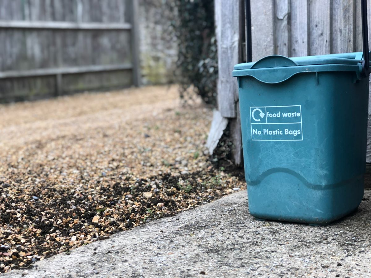 how to compost in an apartment 2021